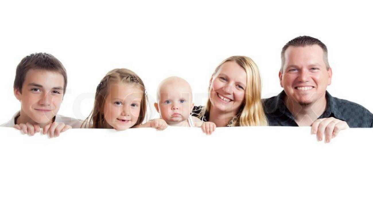 800px_colourbox2702179-happy-family